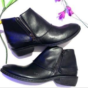 Born B.O.C Black Zipper Ankle  Boots Size …